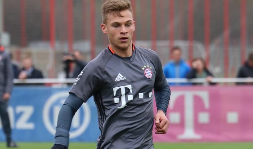 Joshua_Kimmich_Training_2017-03_FC_Bayern_Muenchen-2